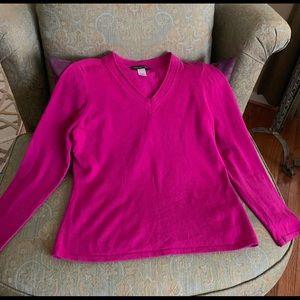 100% cashmere vibrant fuchsia V neck seater